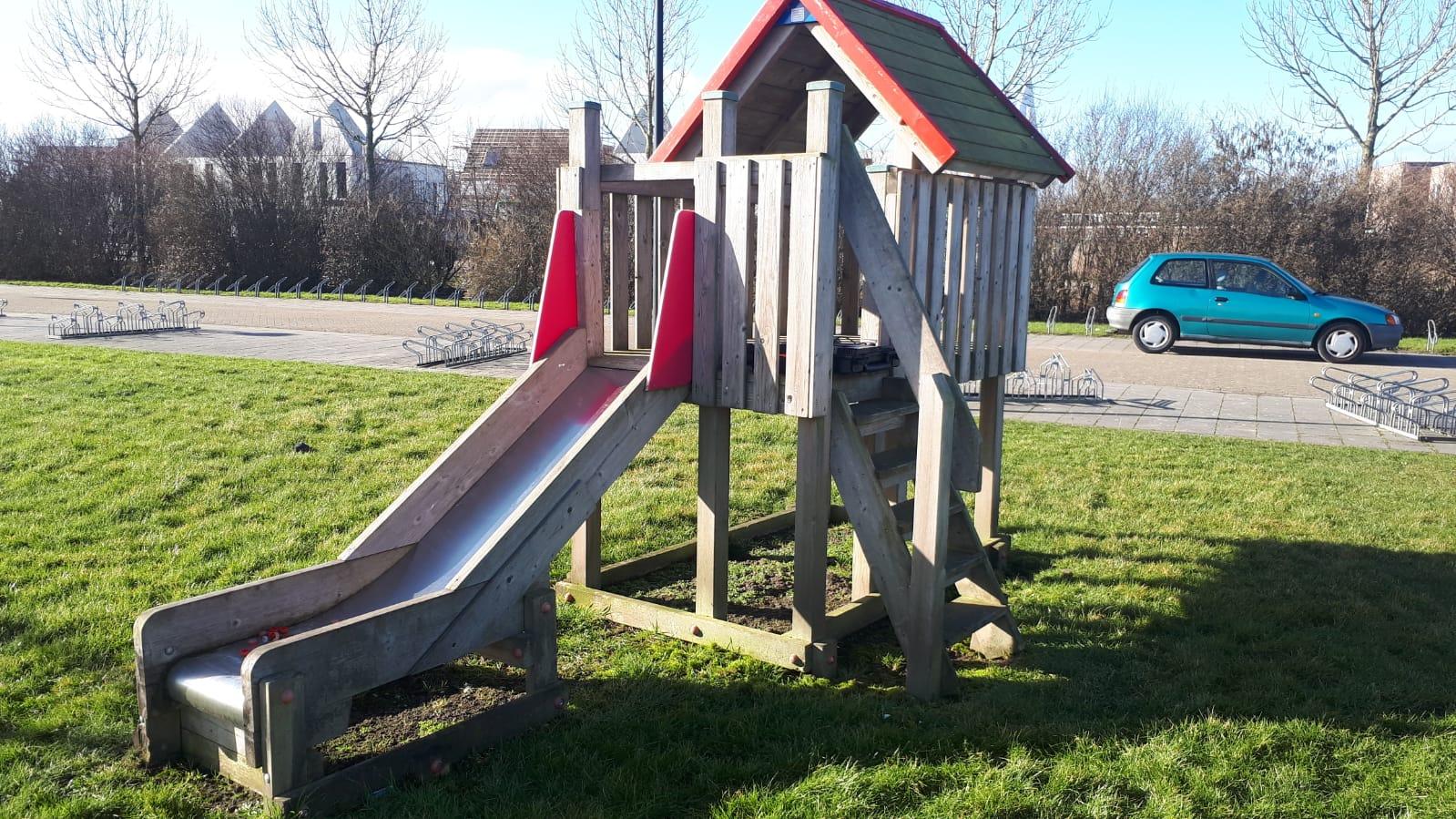 Speeltoestellen Nes Noord worden hergebruikt