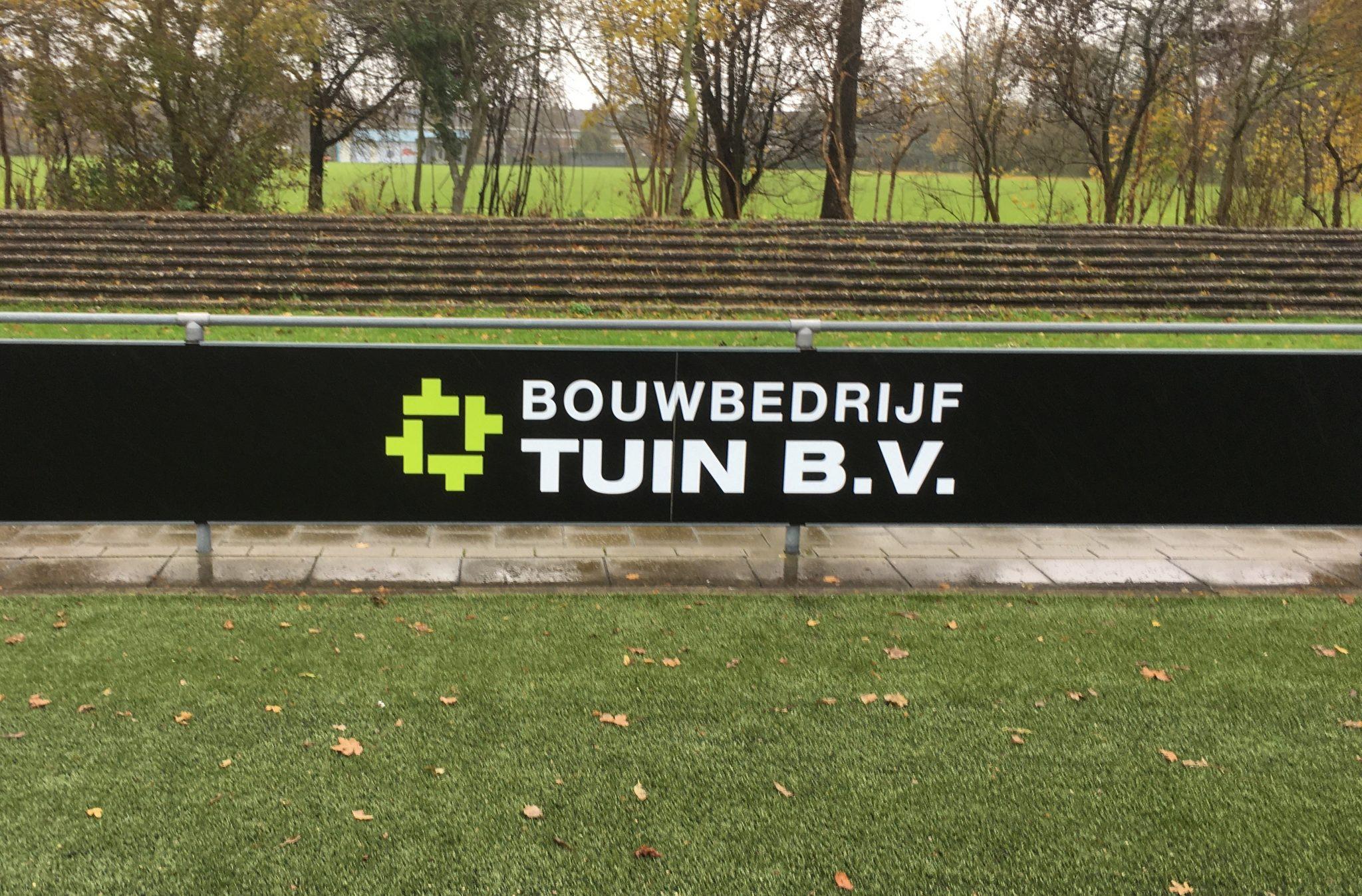 Bouwbedrijf tuin nieuwe bordsponsor